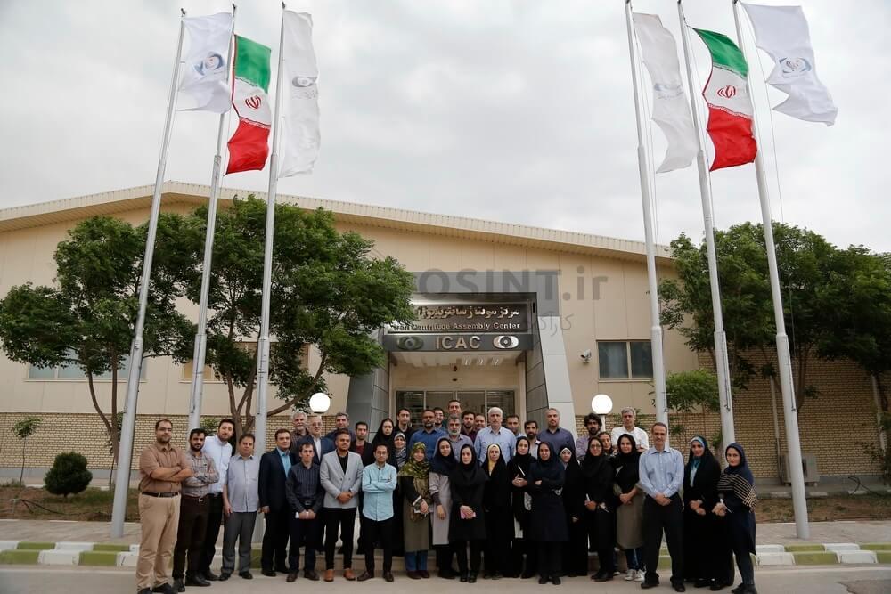 تصویر بازدید خبرنگاران از مرکز مونتاژ سانتریفیوژ نطنز